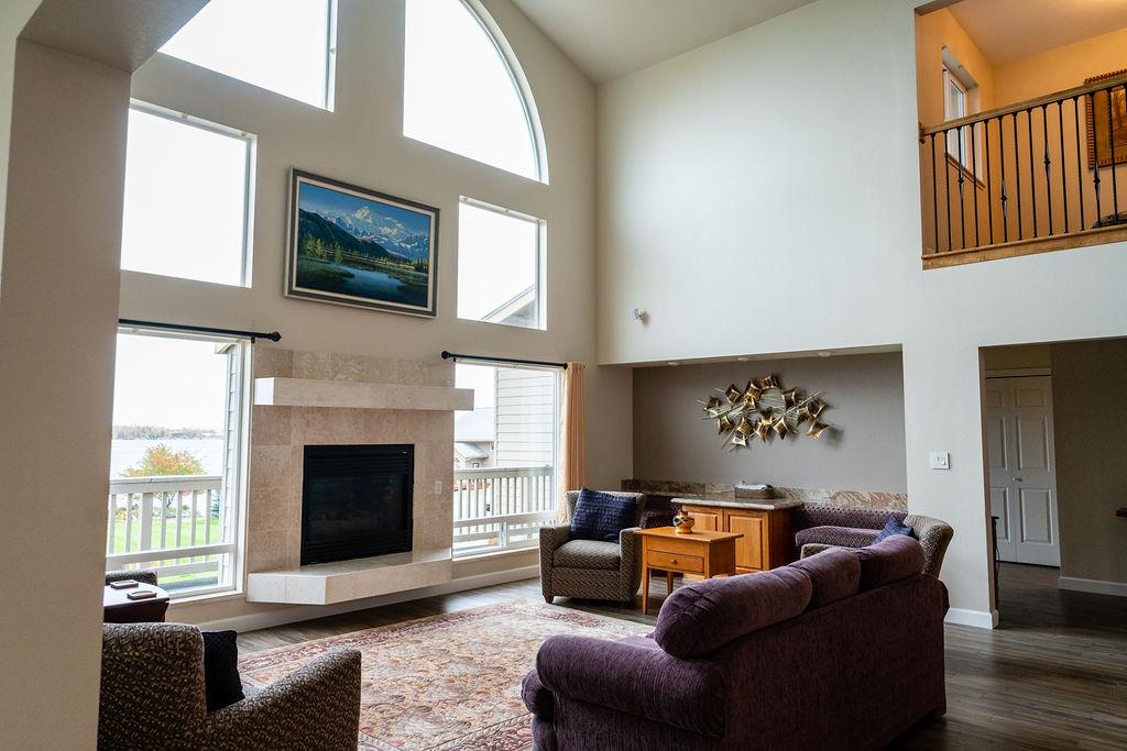 Vacation Rental Alaska Sunset View Resort | Big Lake